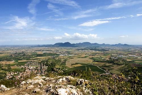 La splendida veduta di cui si può godere sulla cima del Monte Tondo